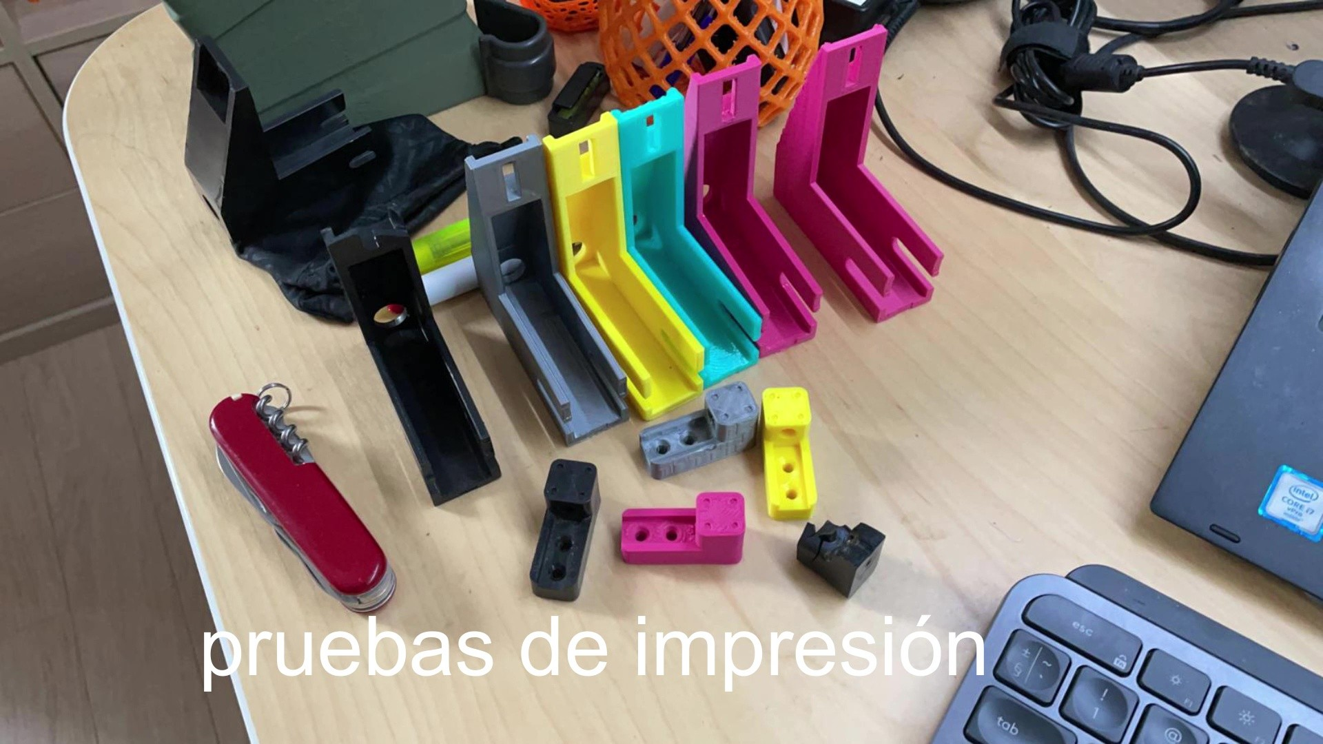 Pruebas de impresión de piezas para Retractiladora
